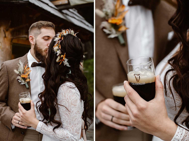 Brautpaar feiert mit Guiness Bier
